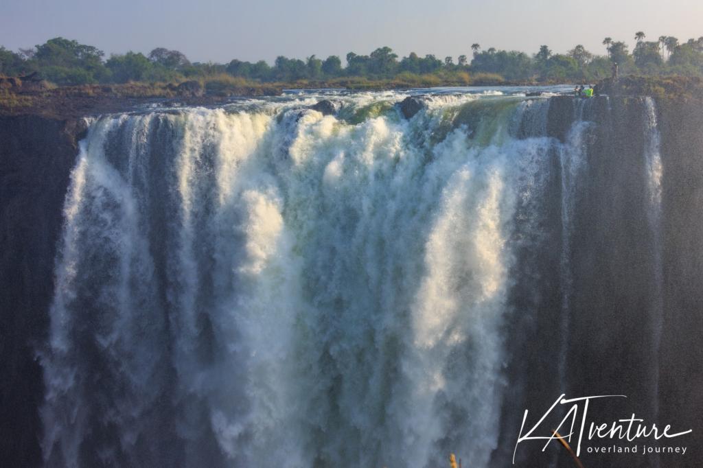 rechts oben der Devils Pool in Sambia